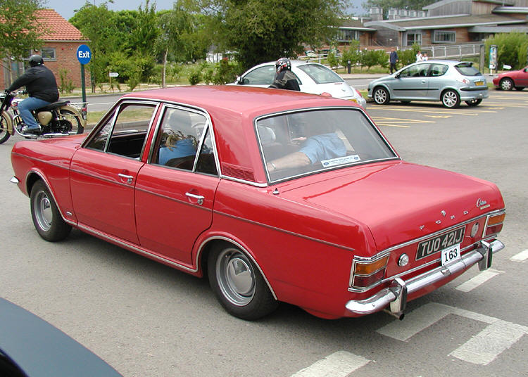 Common faults with the Ford Cortina MkII are not evident in this beautifully preserved specimen.